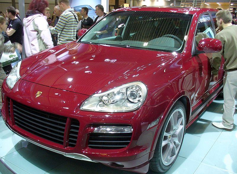800px-Porsche_Cayenne_GTS