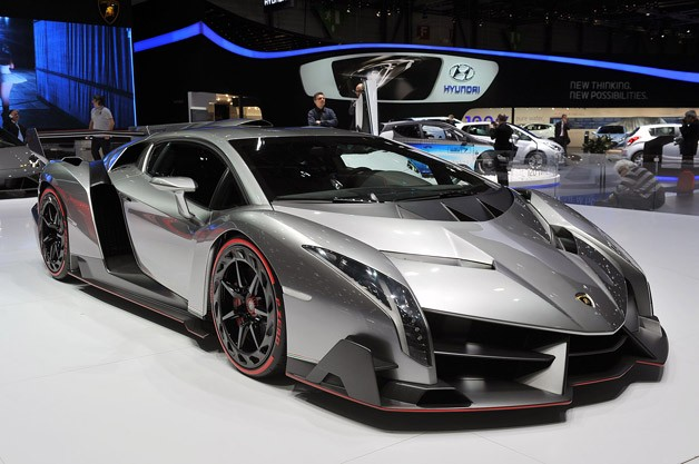 lamborghini veneno Lamborghini Veneno revealed at Geneva Motor Show. A hyper car with a hyper price tag