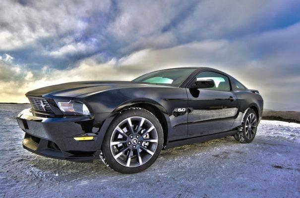 Ford Mustang Black V8 5.0