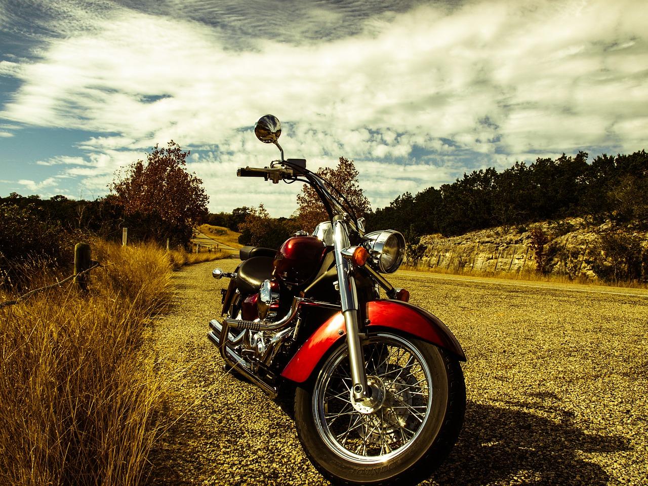 motorbike-red-rural